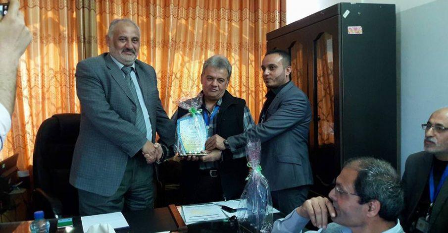 محكمة صلح غزة تكرم ثلاثة من موظفيها المتميزين بحضور المدير العام