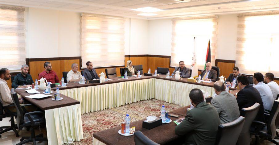 المستشار محمد عابد يجتمع برؤساء أقلام المحاكم ومأموري التنفيذ