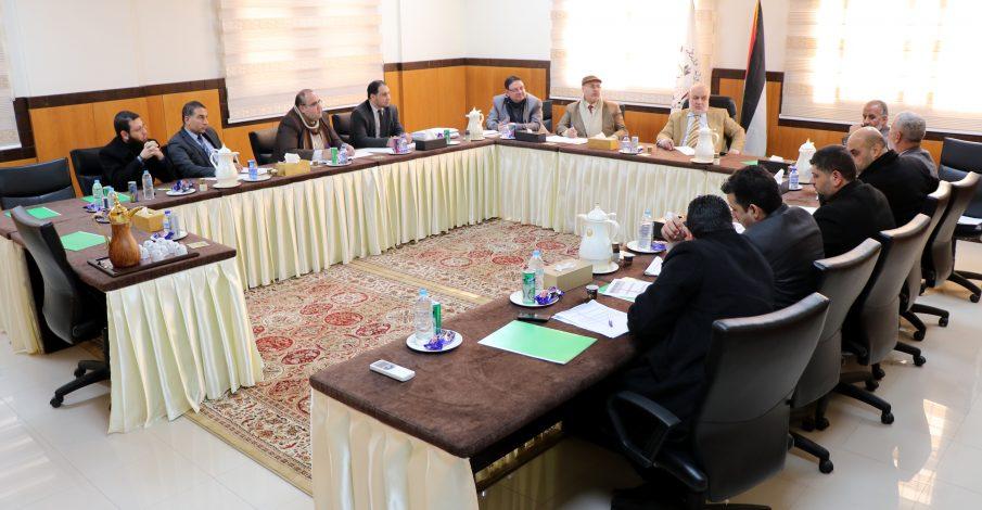 المستشار عابد يجتمع برؤساء المحاكم النظامية