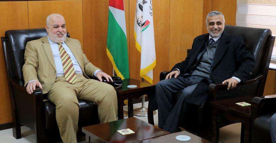 المستشار عابد يستقبل معالي رئيس لجنة متابعة العمل الحكومي الدكتور محمد عوض